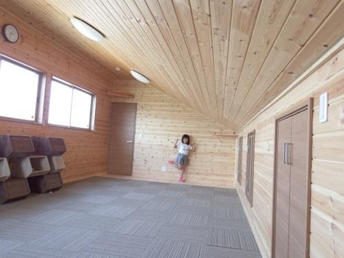 茨城に誕生した自然素材の家2階パンチカーペット