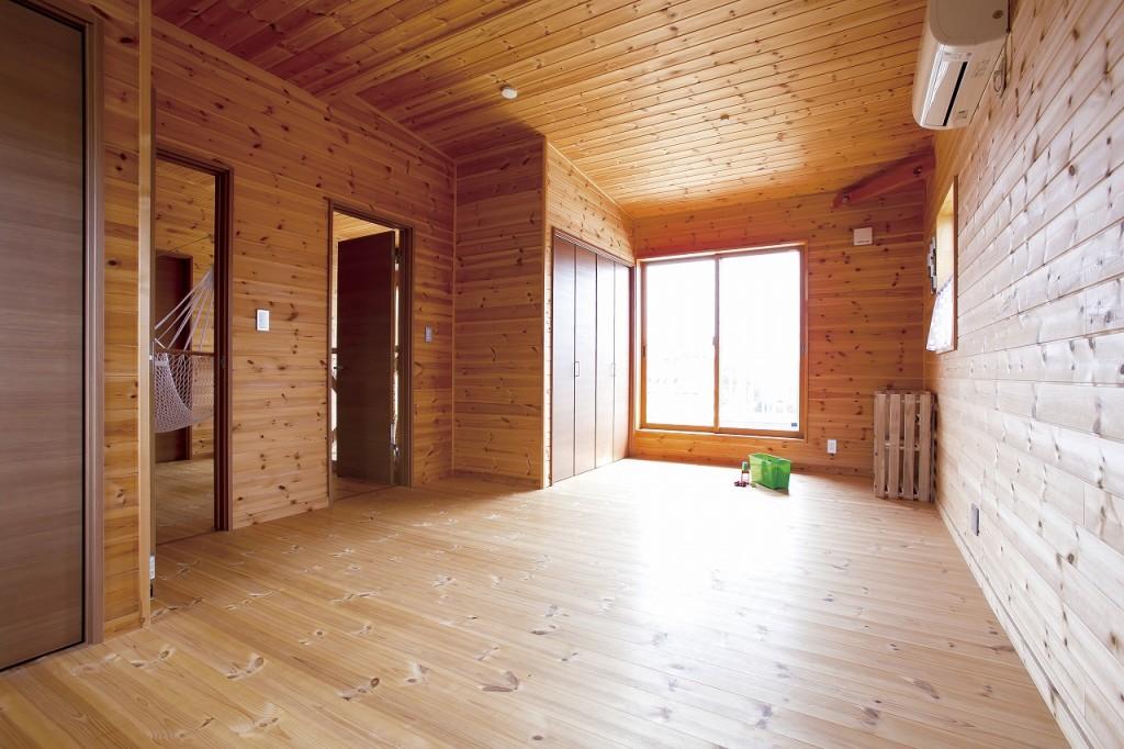 自然素材の家二階のフリースペース