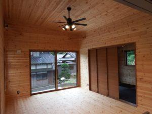 木目調の部屋8