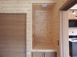 木目調の部屋7