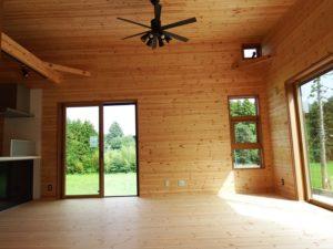 木目調の部屋5