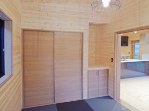 木目調の部屋4