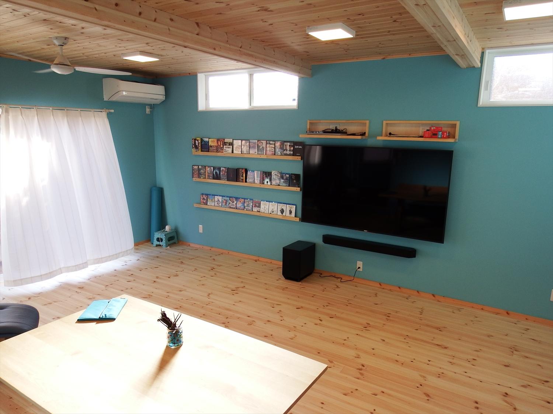 青い壁の部屋9