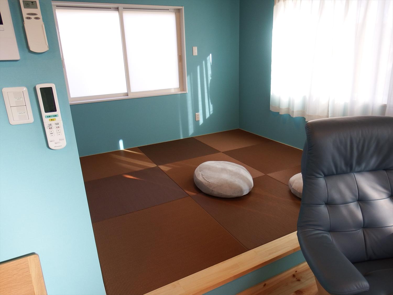 青い壁の部屋6