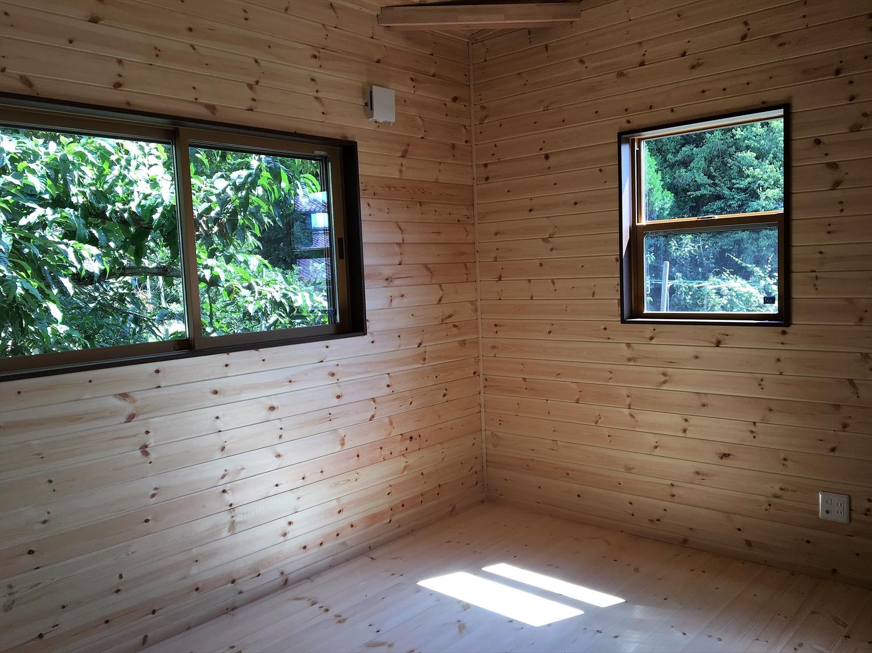 木目調の部屋21