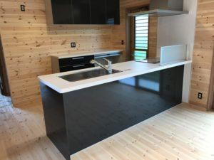 白と黒のキッチン2