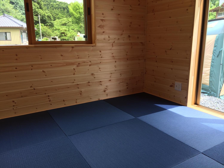木目調の部屋13