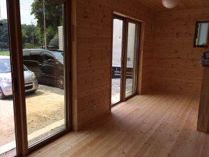 木目調の部屋11
