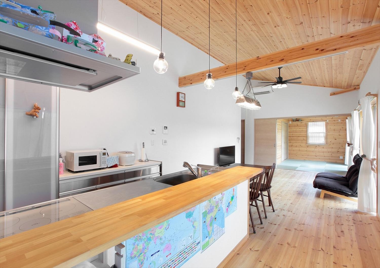 世界地図が貼ってあるキッチン2