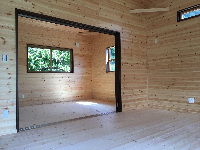薪ストーブのある平屋の内装5|大垣市の注文住宅,ログハウスのような木の家を低価格で建てるならエイ・ワン