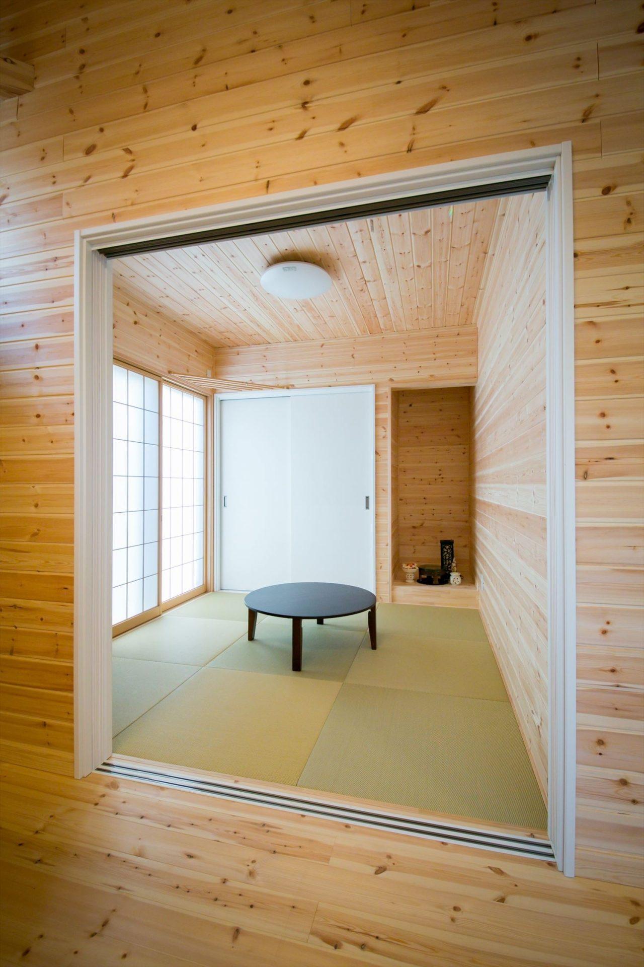 木のぬくもり溢れる自然派住宅の和室|富山の注文住宅,ログハウスのような木の家を低価格で建てるならエイ・ワン