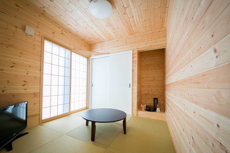 木のぬくもり溢れる自然派住宅の和室2|富山の注文住宅,ログハウスのような木の家を低価格で建てるならエイ・ワン