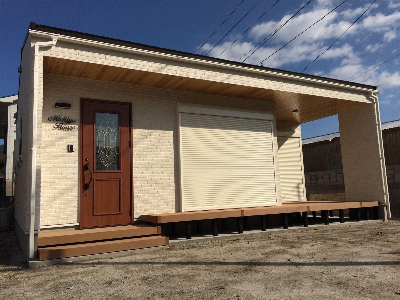 別荘に最適な平屋の外観2|新島村の注文住宅,ログハウスのような木の家を低価格で建てるならエイ・ワン