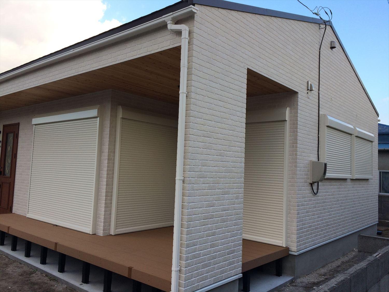 別荘に最適な平屋の外観3|新島村の注文住宅,ログハウスのような木の家を低価格で建てるならエイ・ワン
