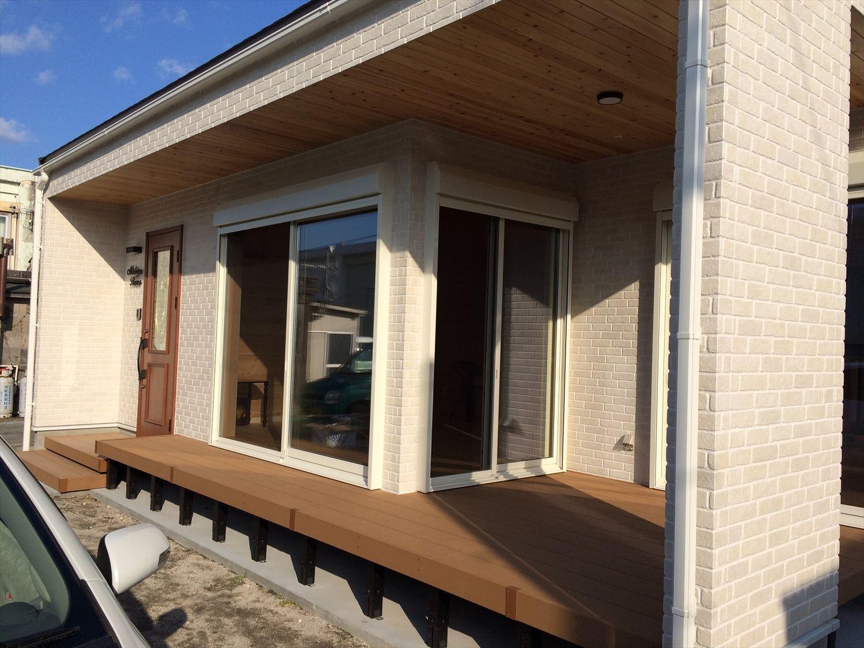 別荘に最適な平屋のウッドデッキ|新島村の注文住宅,ログハウスのような木の家を低価格で建てるならエイ・ワン