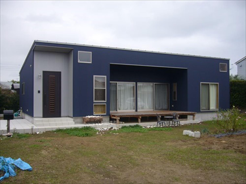 オープンスペースの平屋の外観2|一宮町の注文住宅,ログハウスのような木の家を低価格で建てるならエイ・ワン