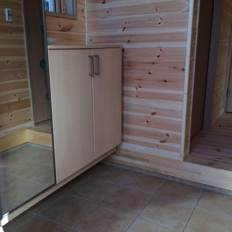 別荘に最適な平屋の玄関5|新島村の注文住宅,ログハウスのような木の家を低価格で建てるならエイ・ワン