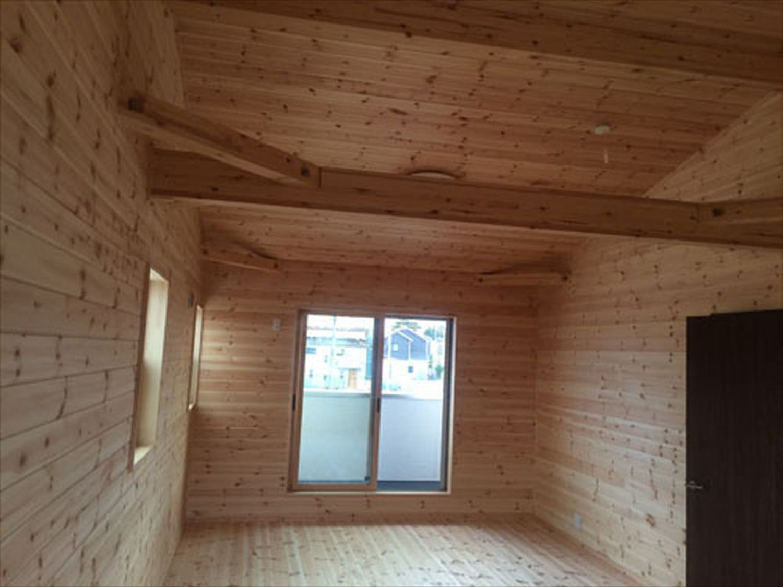 ボルダリングを楽しむ二階建ての内装6|船橋市の注文住宅,ログハウスのような木の家を低価格で建てるならエイ・ワン