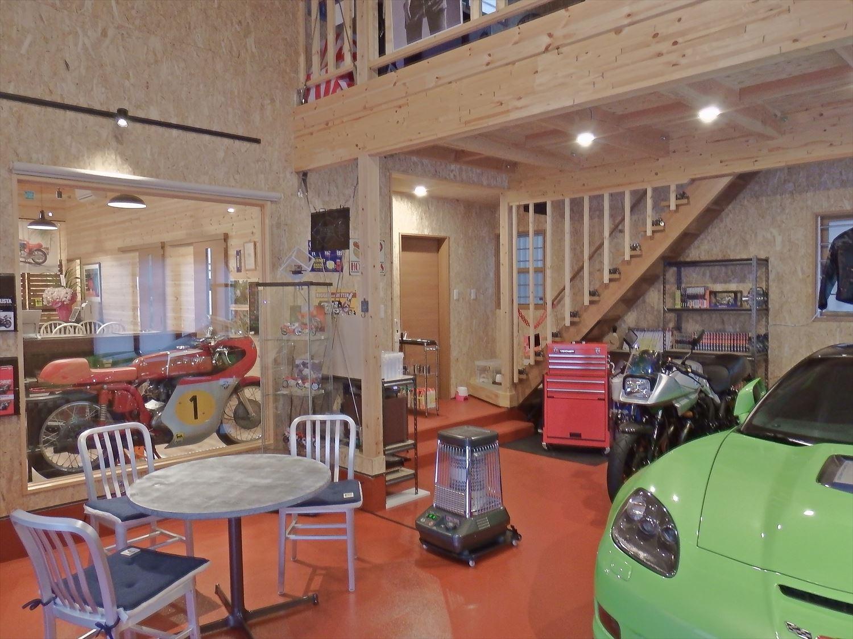 ドッグカフェ店舗住宅のガレージ|那須塩原の注文住宅,ログハウスのような木の家を低価格で建てるならエイ・ワン