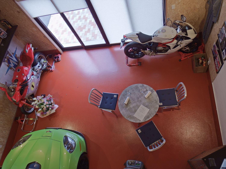 ドッグカフェ店舗住宅のガレージ2|那須塩原の注文住宅,ログハウスのような木の家を低価格で建てるならエイ・ワン