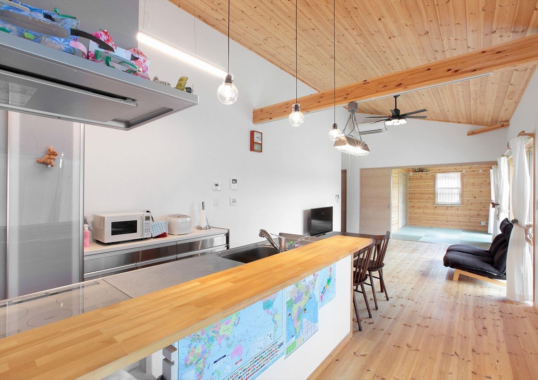 家族で暮らすナチュラルテイストの平屋のLDK|かすみがうら市の注文住宅,ログハウスのような木の家を低価格で建てるならエイ・ワン