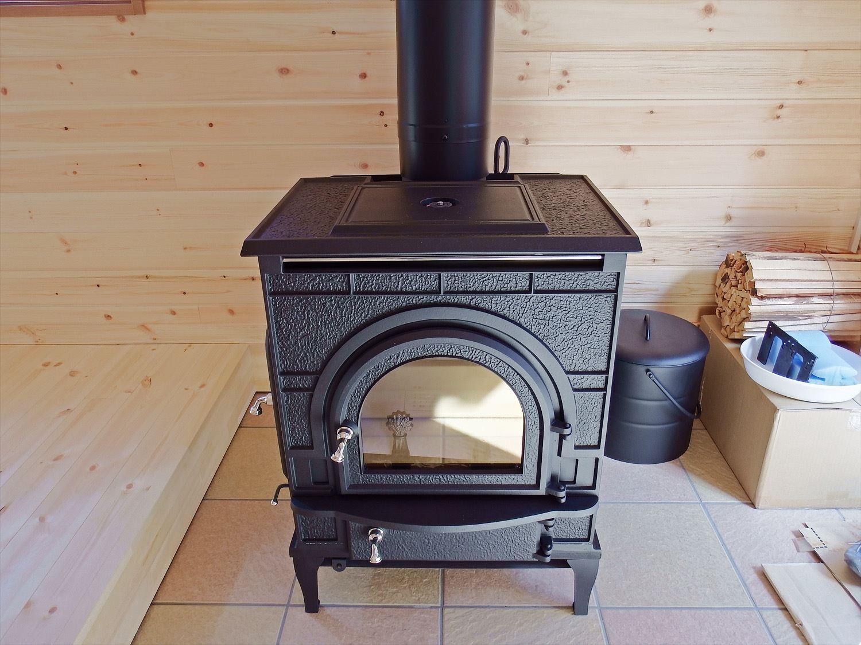 薪ストーブ|ログハウスのような木の家を低価格で建てるならエイ・ワン