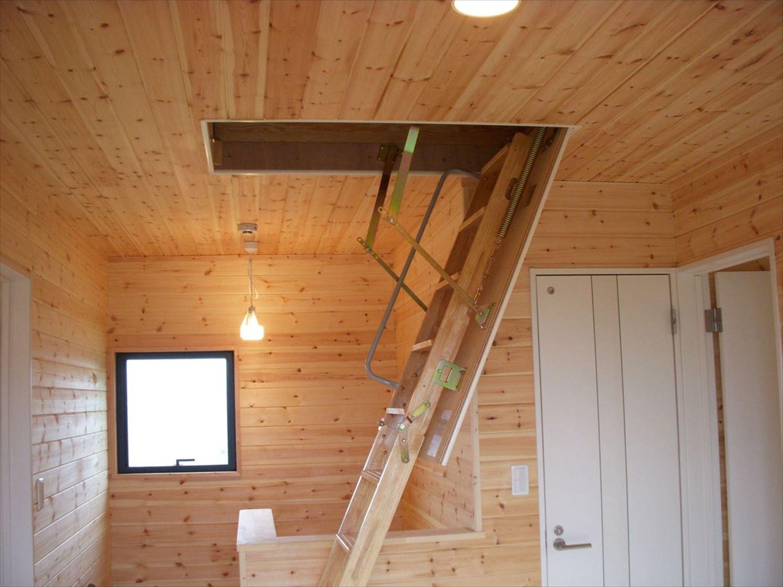階段2|ログハウスのような木の家を低価格で建てるならエイ・ワン