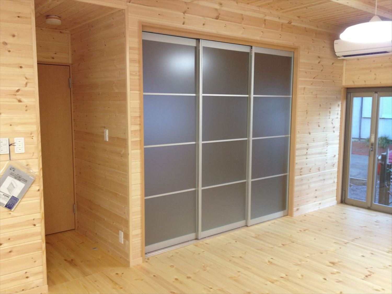 無垢材の内装5|ログハウスのような木の家を低価格で建てるならエイ・ワン