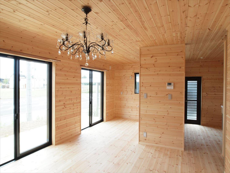 無垢材の内装10|ログハウスのような木の家を低価格で建てるならエイ・ワン