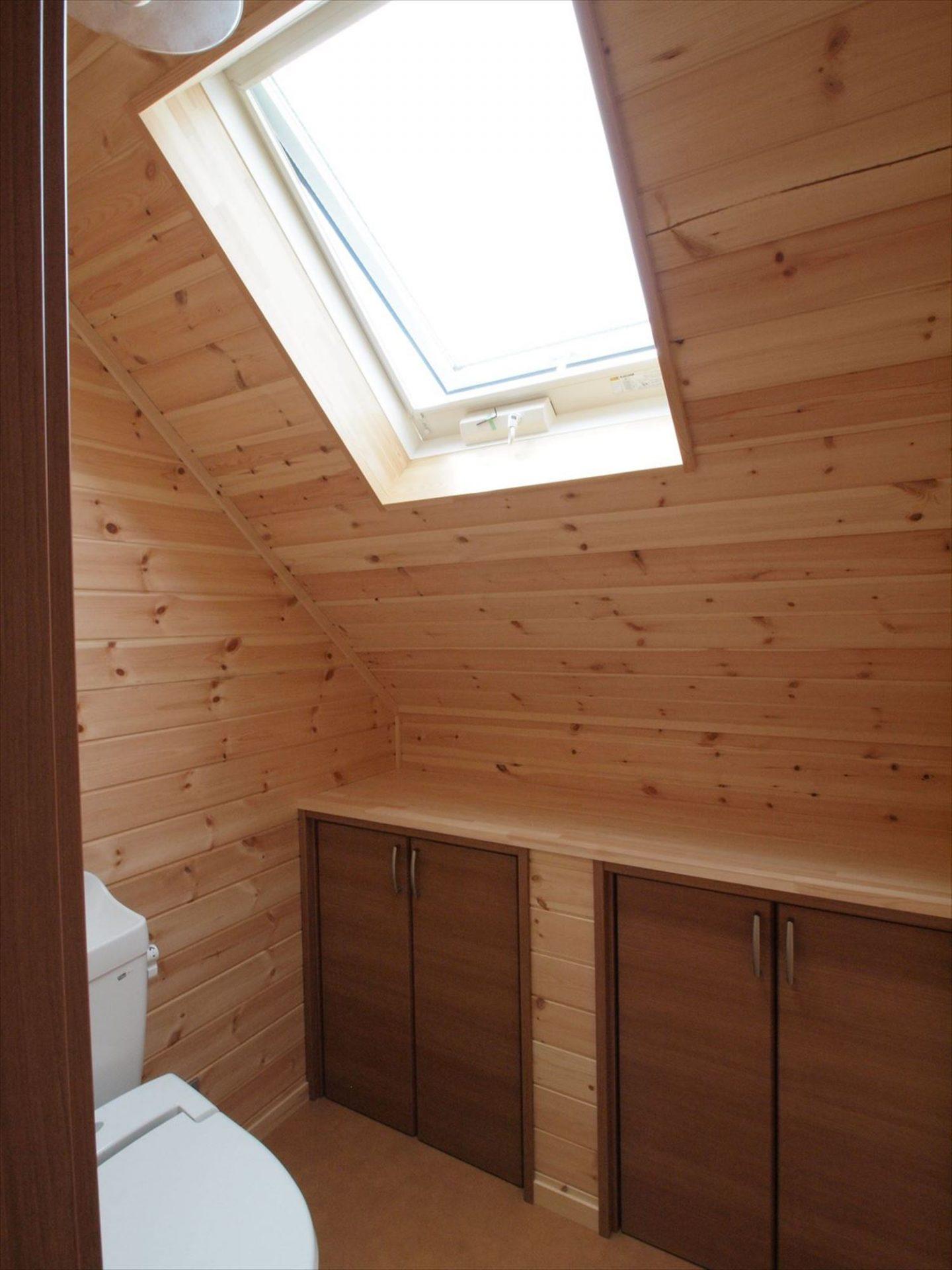 無垢材の内装11|ログハウスのような木の家を低価格で建てるならエイ・ワン
