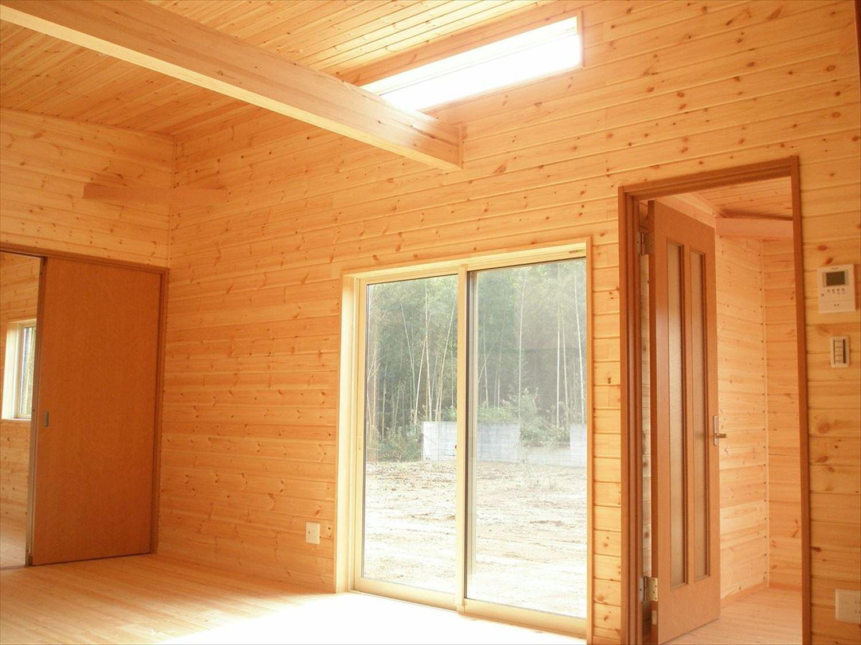 無垢材の内装12|ログハウスのような木の家を低価格で建てるならエイ・ワン