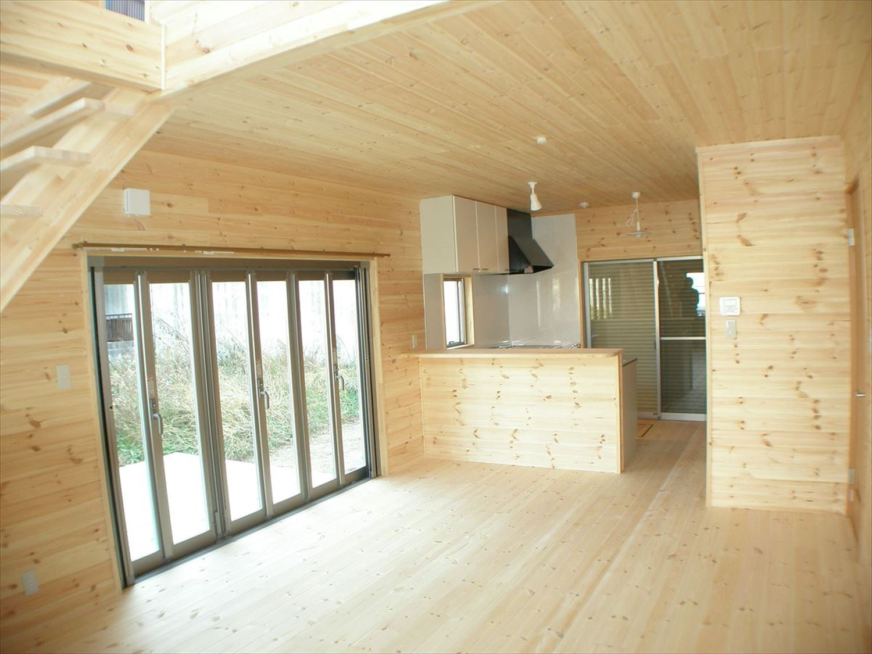 無垢材の内装13|ログハウスのような木の家を低価格で建てるならエイ・ワン