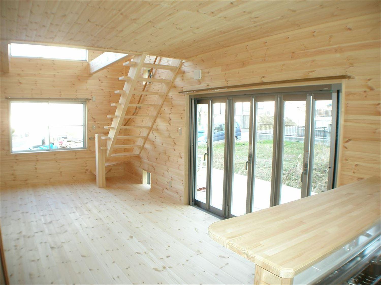 無垢材の内装14|ログハウスのような木の家を低価格で建てるならエイ・ワン