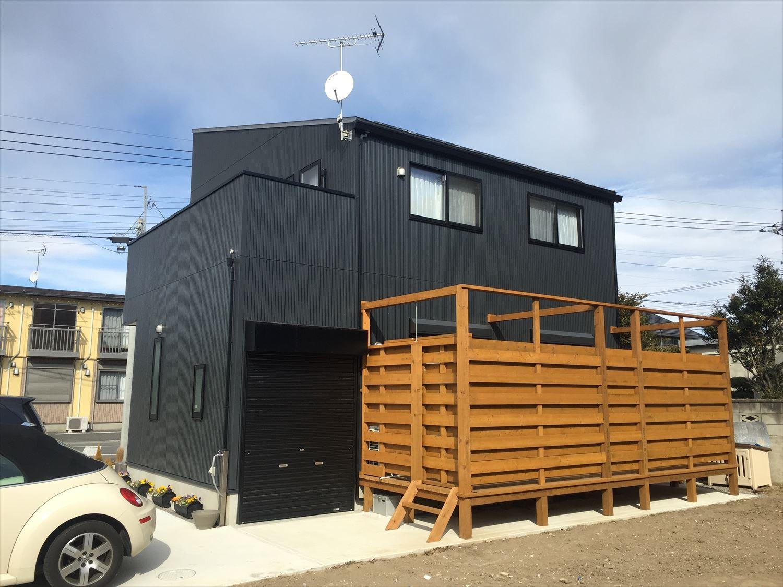 黒い外観|ログハウスのような木の家を低価格で建てるならエイ・ワン