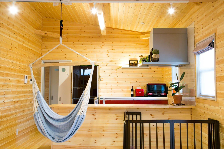 オープンキッチン|ログハウスのような木の家を低価格で建てるならエイ・ワン