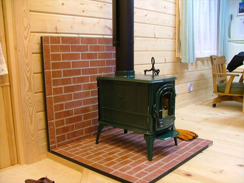 薪ストーブ5|ログハウスのような木の家を低価格で建てるならエイ・ワン