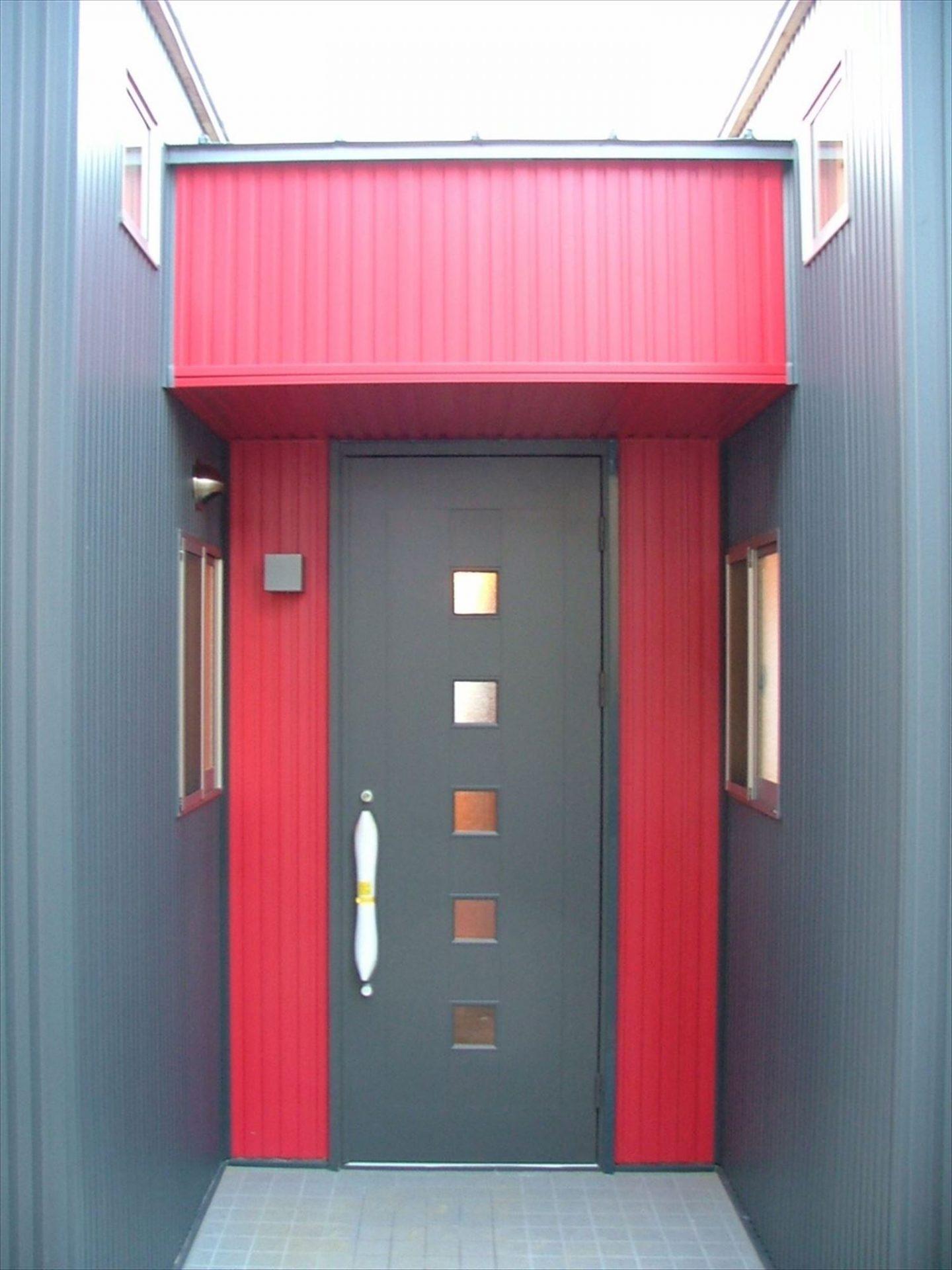玄関2|ログハウスのような木の家を低価格で建てるならエイ・ワン