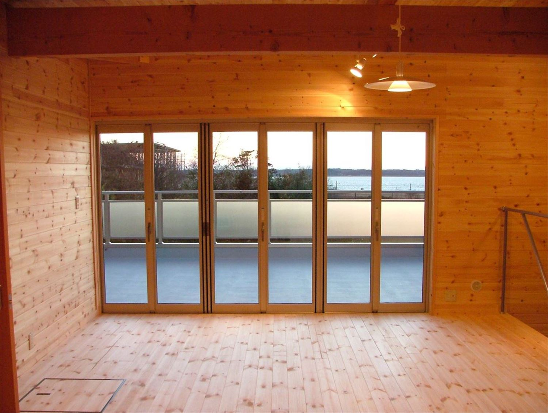 大きな窓|ログハウスのような木の家を低価格で建てるならエイ・ワン