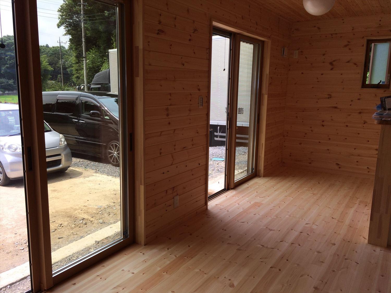オールアース二階建ての内装2|石岡市の注文住宅,ログハウスのような木の家を低価格で建てるならエイ・ワン