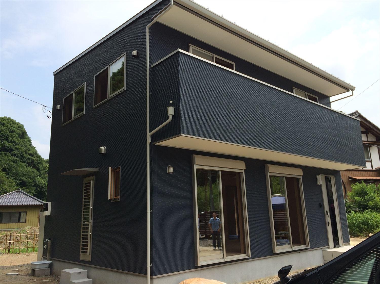 オールアース二階建ての外観|石岡市の注文住宅,ログハウスのような木の家を低価格で建てるならエイ・ワン
