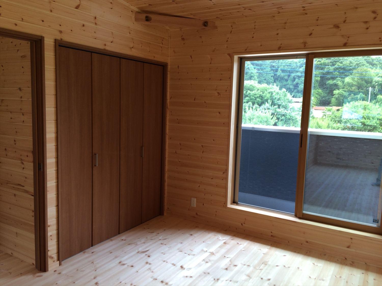 オールアース二階建ての洋室3|石岡市の注文住宅,ログハウスのような木の家を低価格で建てるならエイ・ワン