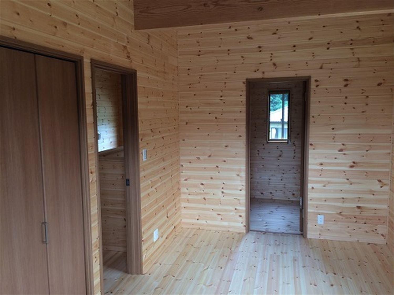 オールアース二階建ての内装|石岡市の注文住宅,ログハウスのような木の家を低価格で建てるならエイ・ワン
