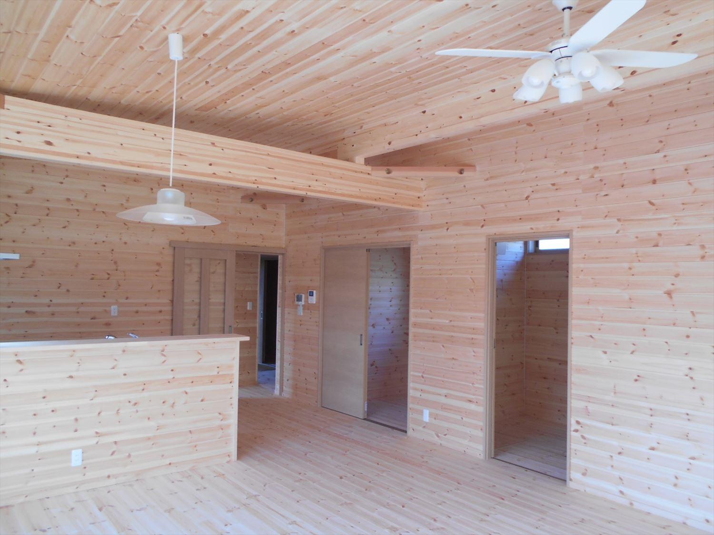 蓄電池付き省エネ住宅平屋の内装2|石岡市の注文住宅,ログハウスのような木の家を低価格で建てるならエイ・ワン