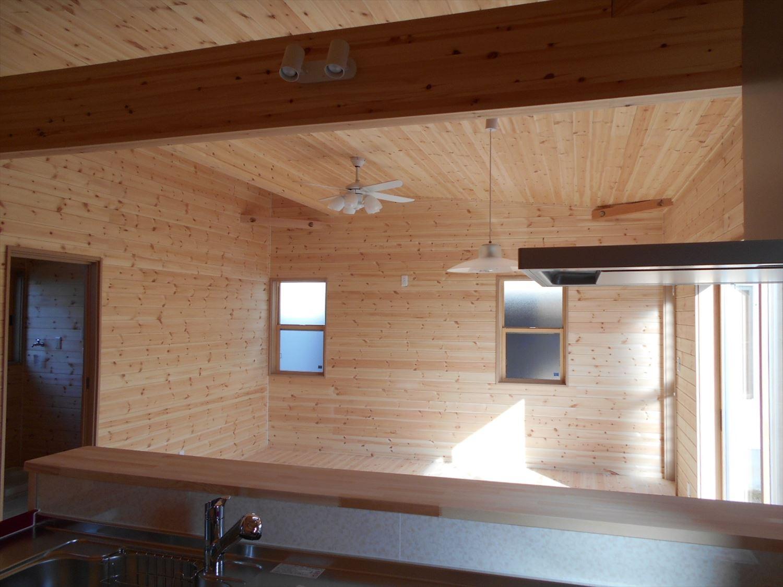 蓄電池付き省エネ住宅平屋の内装4|石岡市の注文住宅,ログハウスのような木の家を低価格で建てるならエイ・ワン