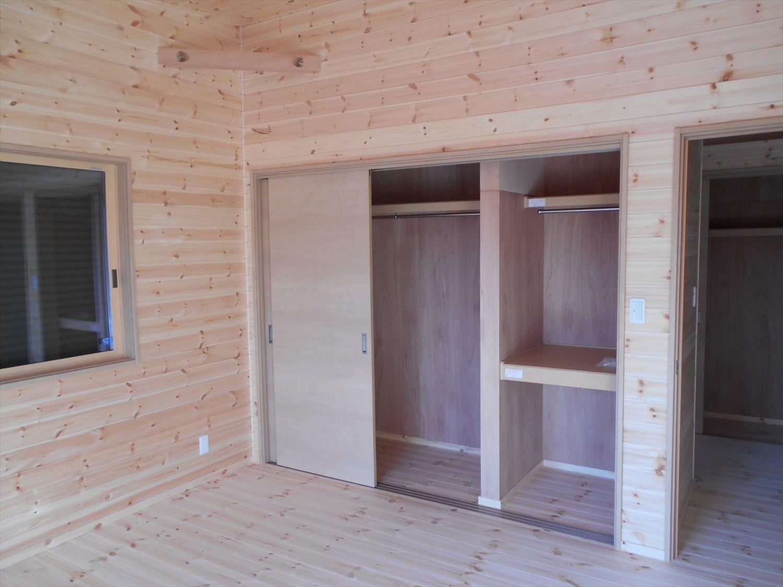 蓄電池付き省エネ住宅平屋の収納|石岡市の注文住宅,ログハウスのような木の家を低価格で建てるならエイ・ワン