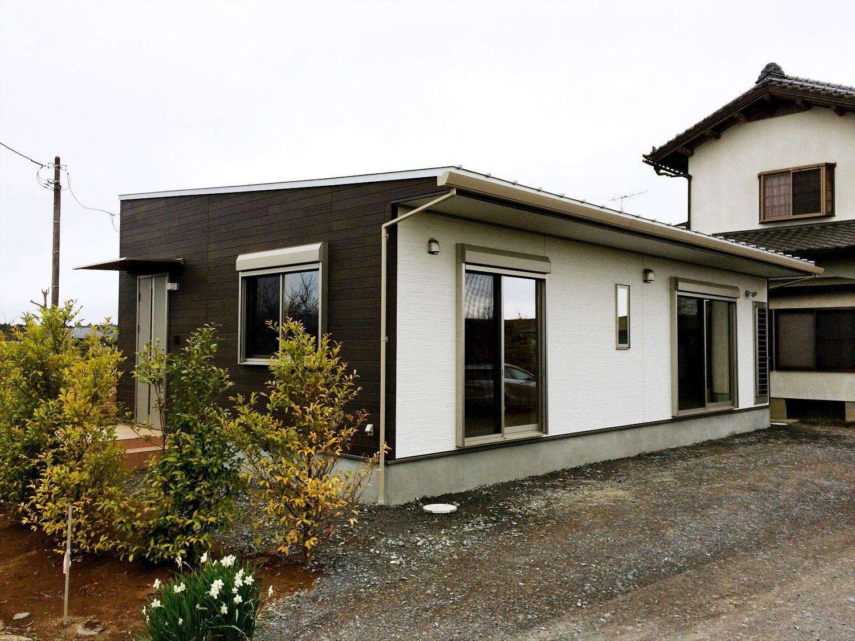 蓄電池付き省エネ住宅平屋の外観|石岡市の注文住宅,ログハウスのような木の家を低価格で建てるならエイ・ワン