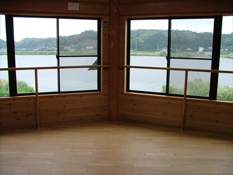湖の畔に建つログハウスから眺める景色|鉾田市の注文住宅,ログハウスのような木の家を低価格で建てるならエイ・ワン