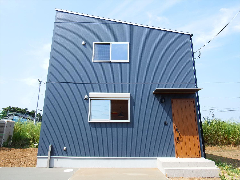 薪ストーブ付きログハウス風,二階建ての外観4|つくば市の注文住宅,ログハウスのような木の家を低価格で建てるならエイ・ワン
