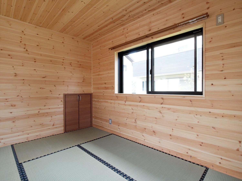 ログハウス風デザイン二階建ての畳スペース|つくば市の注文住宅,ログハウスのような木の家を低価格で建てるならエイ・ワン
