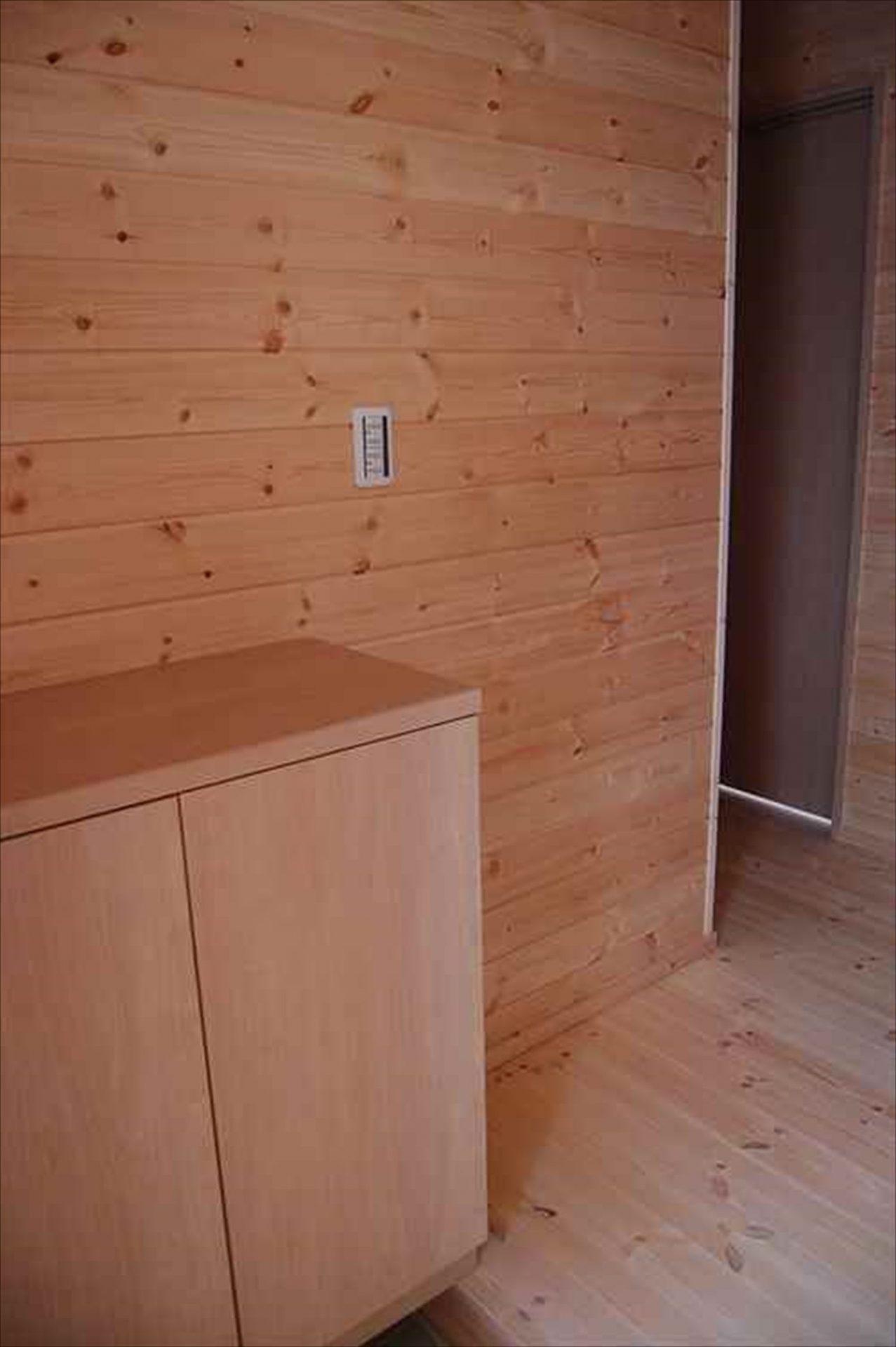 二階建て戸建て賃貸住宅の玄関ホール|水戸市の注文住宅,ログハウスのような木の家を低価格で建てるならエイ・ワン